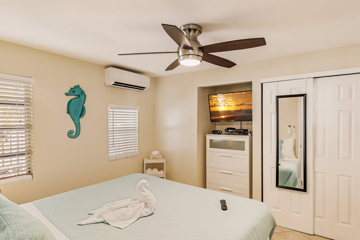 The Cabana, King Bedroom 1