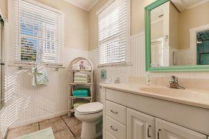 The Cottage, 2 Queen Bathroom 1